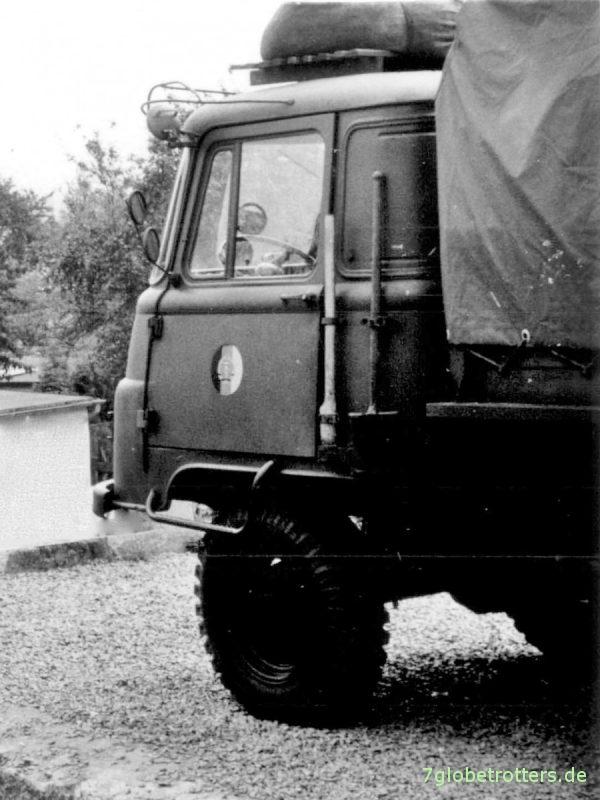 Robur LO 2002 AKF der NVA als Mannschaftspritschenfahrzeug