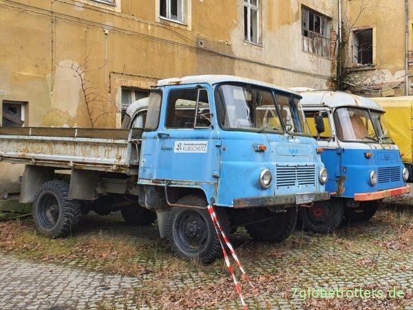 Robur LO 3000 und Robur B21 Omnibus