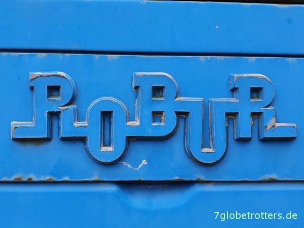Markenzeichen der Robur-Werke in Kurbelwellenform