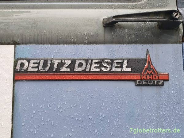 Türschild Deutz Diesel im letzten Robur LD 3004 aus Zittau