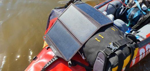 Anker Solarladegerät zur Stromversorgung beim Paddeln
