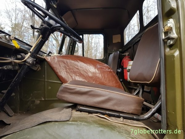 Unbequemer Fahrersitz im GAZ-66 Allrad