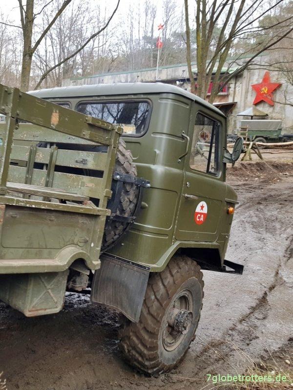 GAZ-66 Allrad Pritsche ohne rechten Benzintank