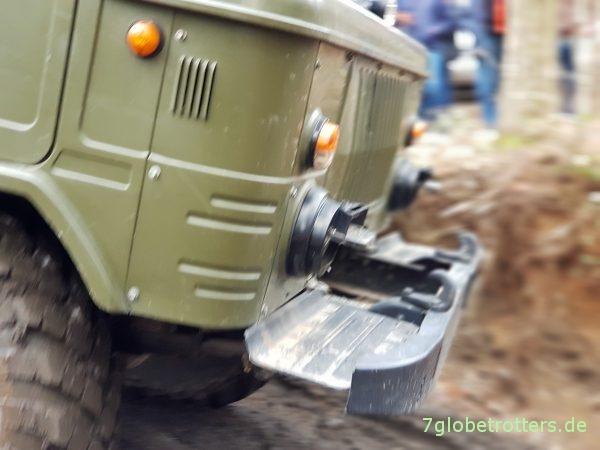 GAZ-66 Allrad, Stoßstange mit fehlender Seilwinde im Drive-by