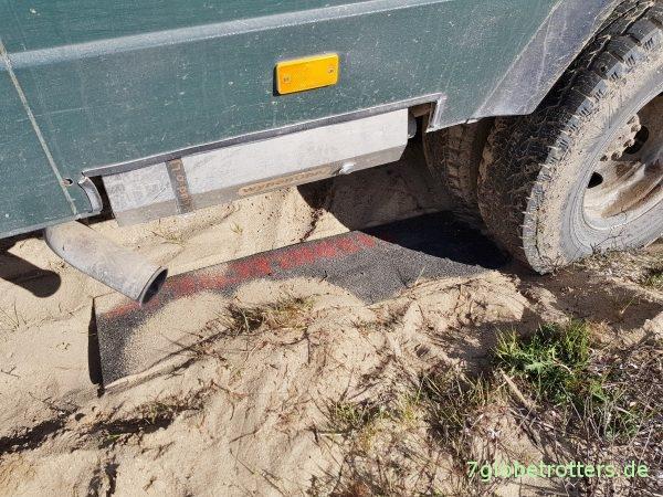 Sandblecheinsatz im Weichsandfeld