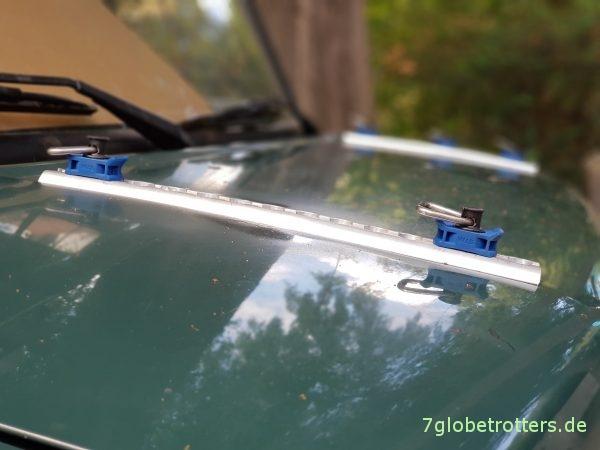 DIY-Sandblechhalter auf der Motorhaube