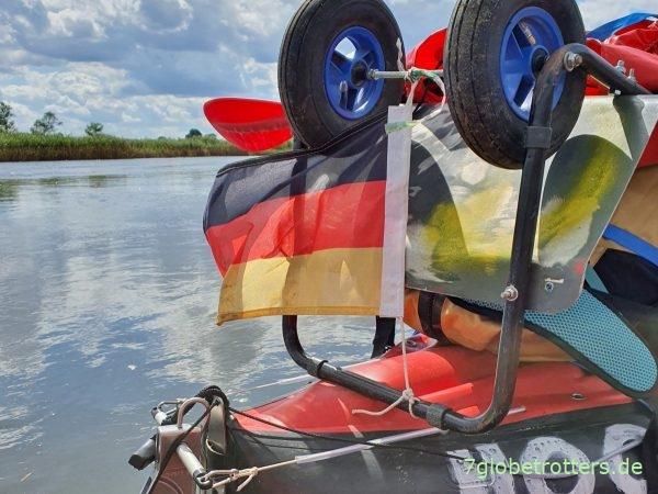 Der Flaggenpflicht auf der Oder ist Genüge getan