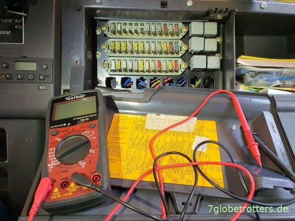 Bremslicht defekt: Prüfung und Reparatur der Sicherungen und Glühbirnen am Mercedes T2/LN1