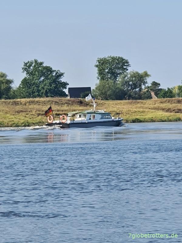 Einsatzboot der Wasserschutzpolizei auf der Elbe