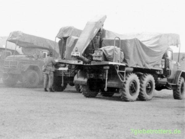 Transport- und Ladefahrzeuge 2T7 der NVA auf ZIL-131