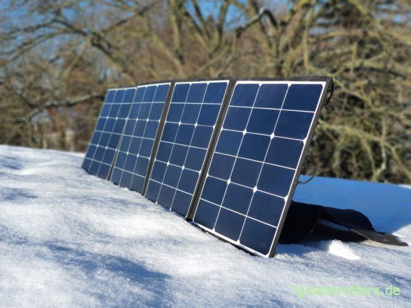 Test des Solarertrags mit den faltbaren Solarmodulen im Winter
