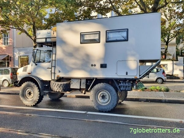Unimog U 1300 L Expeditionsmobil mit Koffer onroad