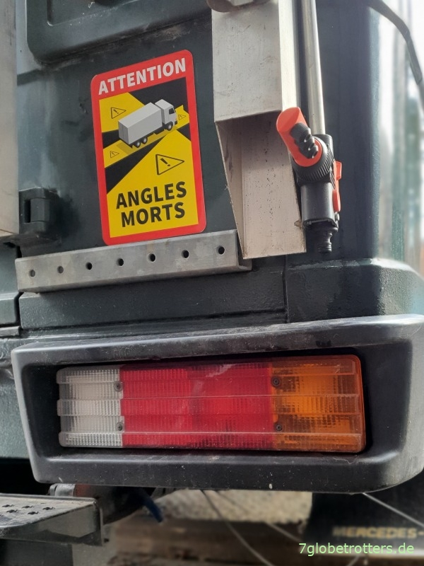 "Position der Warntafel ""Toter Winkel"" am Wohnmobil"