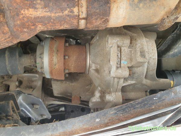 Hier passiert das Zuschalten des Allradantriebs: Verteilergetriebe am Jeep Wrangler JK