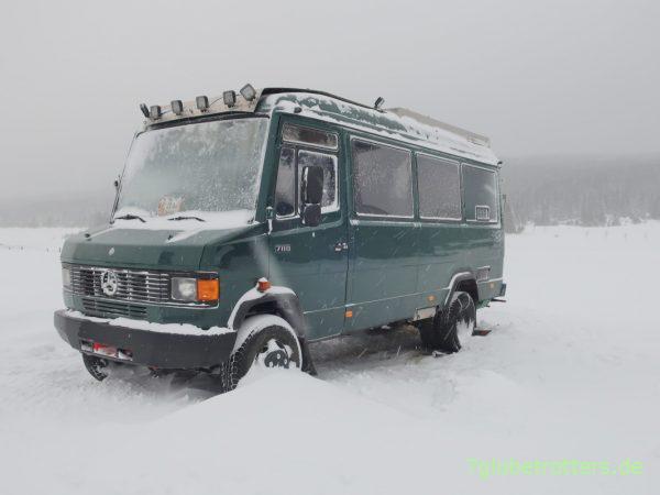 Montage und Test von Schneeketten am Wohnmobil mit Zwillingsreifen: PEWAG Brenta-C 4x4