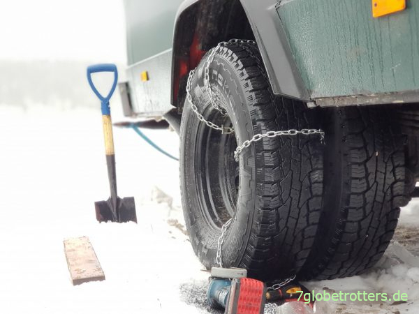 Selbstgebaute Schneeketten am Wohnmobil zählen nicht bei Kontrollen