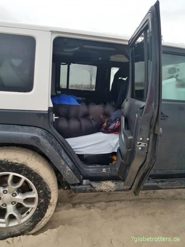 Isomatte, Luftmatratze oder Schaumstoffmatratze im Jeep Wrangler?