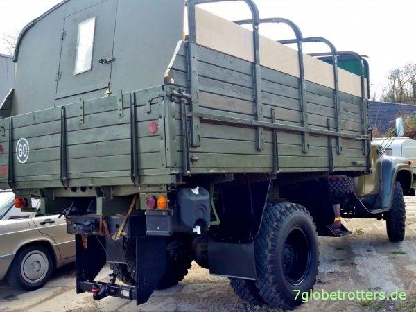 ZIL-130 mit Wohnkabine als Stealth Camper