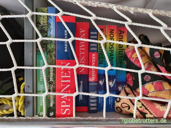 Reiseführer Spanien als Busbibliothek