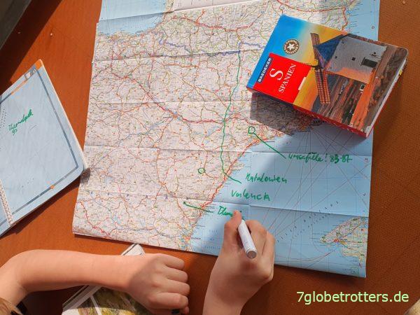Reiseführer Wildswimming Spanien mit Übersichtskarte aus dem Baedeker
