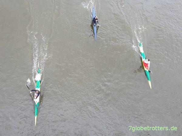 Steile Paddeltechnik bei Sport-Kanuten