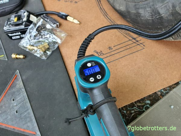 Test Makita Akku-Kompressor beim Reifendruck anpassen am Wohnmobil