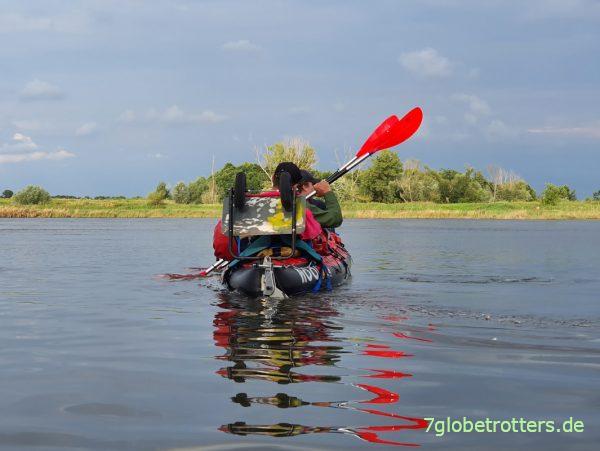 Test der Doppel-Paddel Moll Playa im Luftkajak