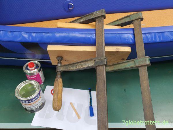 Anpressen ist bei richtiger Anwendung des PVC-Klebers eigentlich gar nicht nötig.