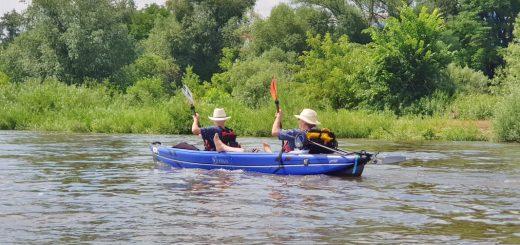 Verano California Duo beim Test-Paddeln auf der Elbe