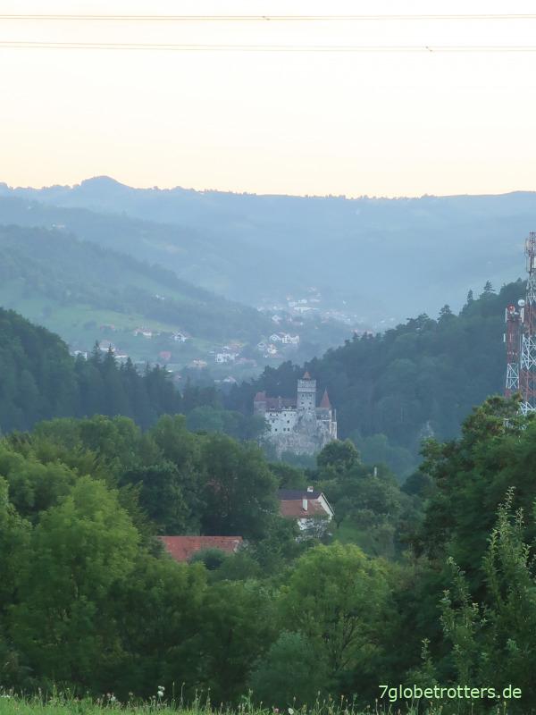Abend am Dracula-Schloss Bran von Nordosten