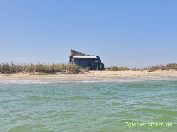 Hitzeschutz fürs Wohnmobil am Meer