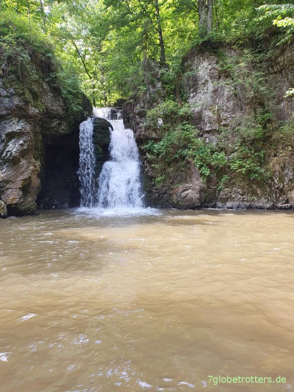 Cascada Şipot in der Maramuresch, Rumänien