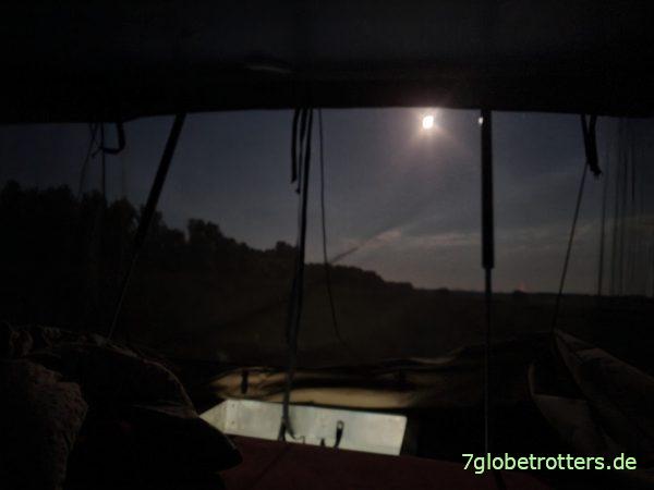 Der Mond scheint ins Aufstelldach