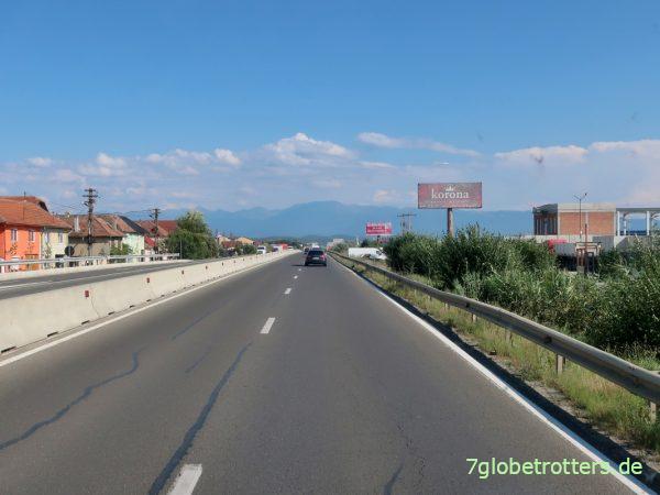 Wohnmobil-Fahrt über den Transfăgărășan-Pass in den rumänischen Karpaten