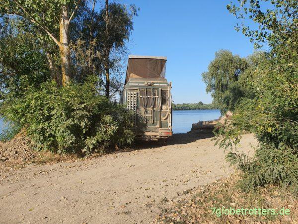 Stellplatz mit Mücken im Donaudelta bei Murighiol am Wasser