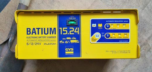 Batterie-Ladegerät GYS Batium 15.24 Bedienpanel