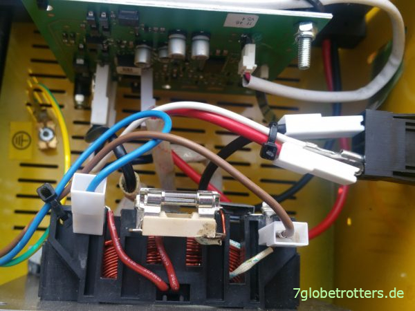 Innenleben des Batterie-Ladegerät GYS Batium 15.24