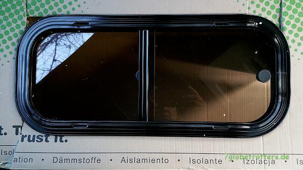 Fenstereinbau auf Probe (Boidron Schiebefenster 600 x 250 mm)