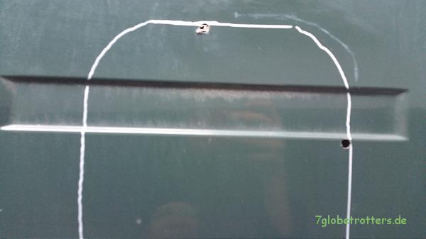 Fensterenbau im Kastenwagen MB 711: Bohrungen für die Stichsäge